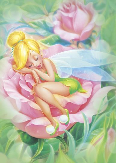 Clochette dort dans une rose!!