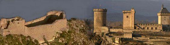 A 7km de Foix, sur la route verte dans la vallée de la Barguillère face aux montagnes... Un endroit idéal pour se ressourcer...