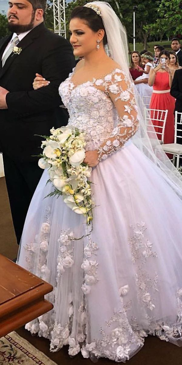 Wedding Dresses Ball Gown Romantic Tulle Jewel Neckline Ball Gown