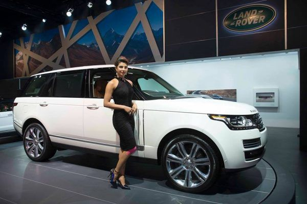 Jaguar Land Rover dealers offering discounts of up to INR 50 lakh. Here's why