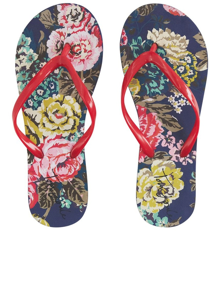 In a gorgeous floral print, the Joules Jenny Flip Flop is styled with contrasting straps.