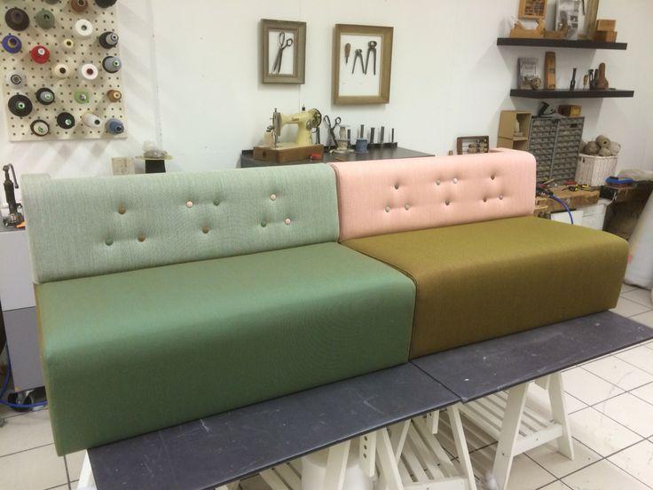 Colourful sofa, love it! www.verhoomopalttina.com