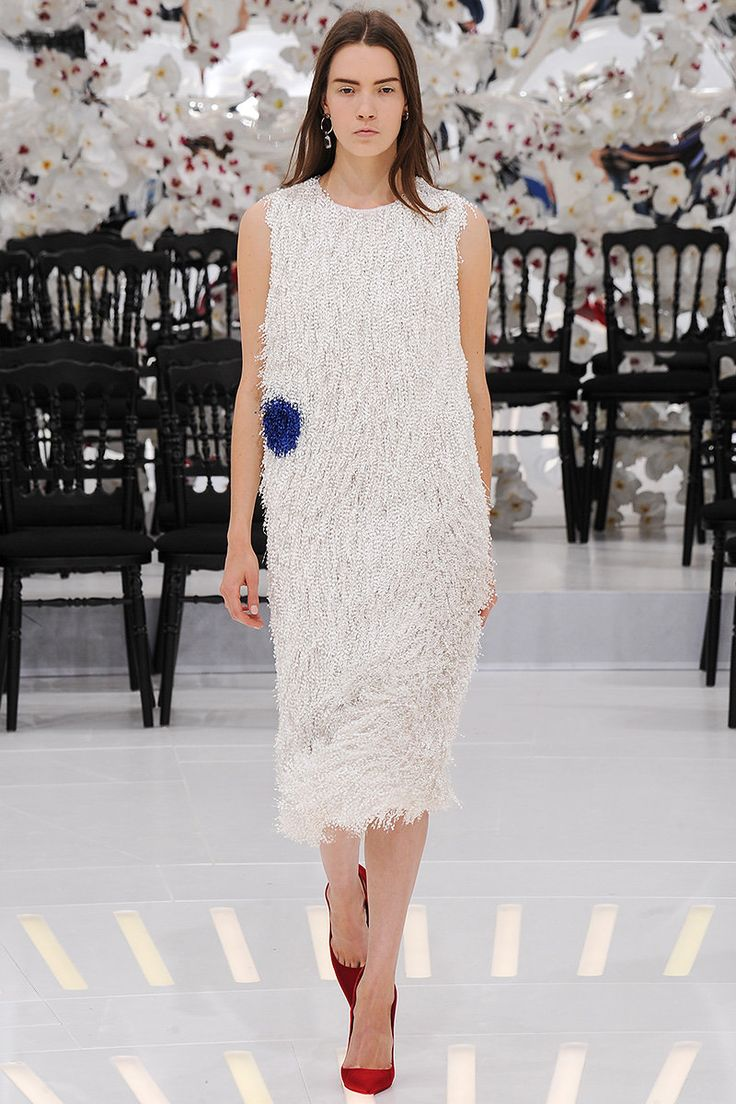 christian-dior-couture-fall-2014-44_165344435180