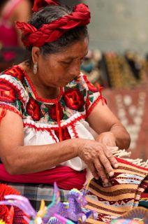 La LXII Legislatura del Congreso Estatal, declaró como Patrimonio Cultural e Inmaterial de Oaxaca, los diseños, vestimentas o trajes regionales característicos de las comunidades de pueblos indígenas reconocidos en la Constitución del Estado, las artesanías que en ellas se producen, así como las lenguas habladas por dichas poblaciones.