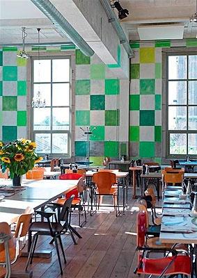 Villa Augustus | Dordrecht, Netherlands super leestafel, lekker taarten