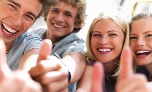 Cultura: Le #10 cose che ogni studente sogna di poter fare all'università (link: http://www.tuttosulinux.com/cerca-prodotto/newsitem/318393/Cultura-Le-10-cose-che-ogni-studente-sogna-di-poter-fare-all-apos-universita.html )