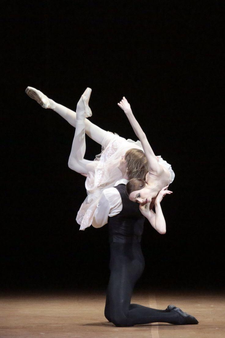 "<< Svetlana Zakharova as Marguerite Gautier and Edvin Revazov as Armand Duval John Neumeier´s ""The Lady of the Camellias"" # Photo  © Damir Yusupov>>"