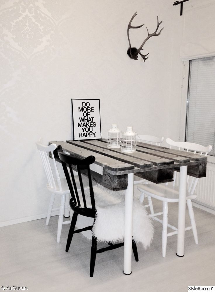 Nice dining table. <3