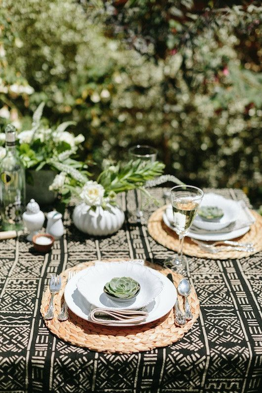 15 outdoor dining table decorating ideas to copy this season rh pinterest com