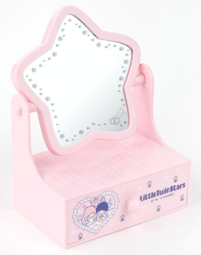 Perch this LittleTwinStars Mini Chest on a desk or dresser for instant cuteness!