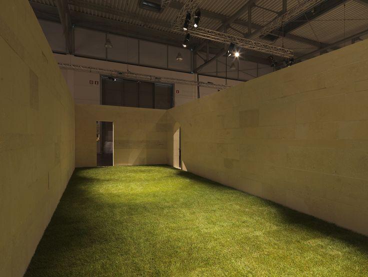 """Grassi Pietre @ Marmomacc 2014 - pav 1 - © Daniele Domenicali Project: """"Riflessioni sulla casa Patio"""" Architect: Manuel Aires Mateus"""