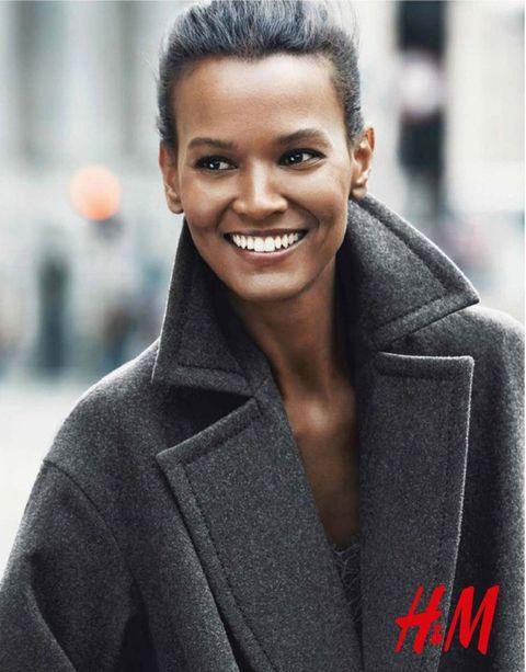 Una sonrisa que enamora es la de la modelo Liya Kebede en la nueva campaña de H&M.