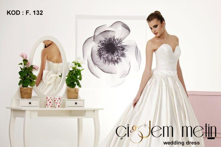 Elegancia Gelinlik Modelleri kod: F132 http://www.cigdemgelinlik.com.tr/ http://www.cigdemgelinlik.com.tr/elegancia-collection-2013