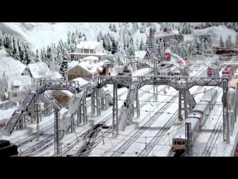 Quadruple power: SBB-CFF-FFS Re 6/6 Ae 6/6 with sound: Märklin Modelleisenbahn Anlage - YouTube