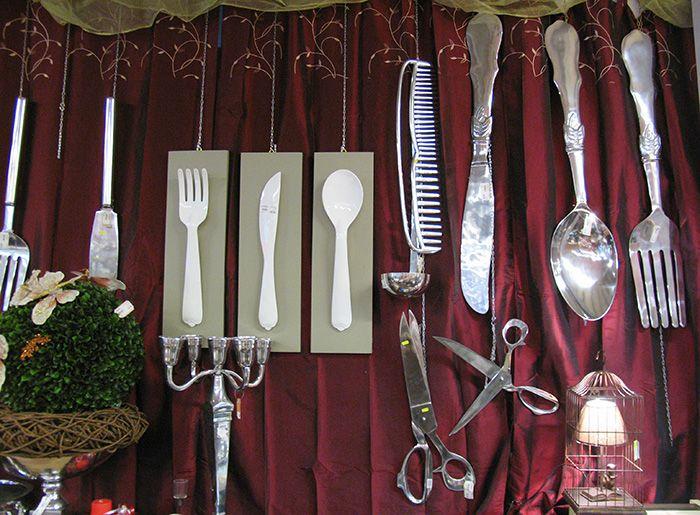 posate in metallo giganti da appendere o da mettere sul tavolo, forbici giganti, pettine gigante in metallo http://www.alberti-import-export.com/index.asp