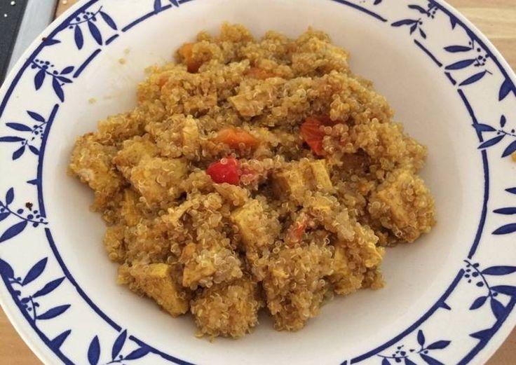 Quinoa con tofu y tomatitos