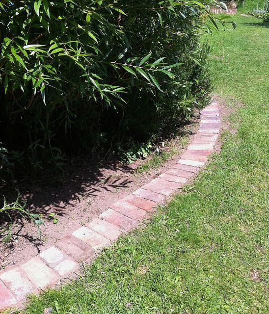 Brick Bed Edging Scott Vegetable Garden Pinterest The O 39 Jays Flower Bed Designs And Photos
