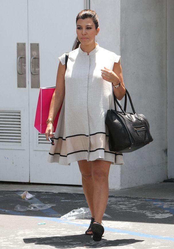 La robe minimale de Kourtney Kardashian