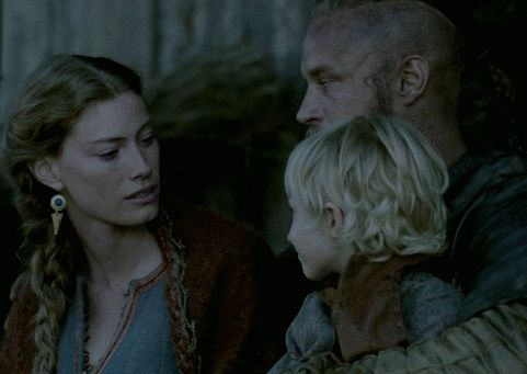 GIF Vikings s2e6 - Ragnar - Travis Fimmel...I wonder how it really is being watched by those eyes...in that way...