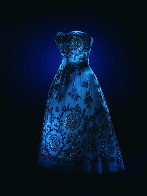 Dior, Shanghai blue - Haute Couture Printemps Ete 1953, photo Laziz Hamani.