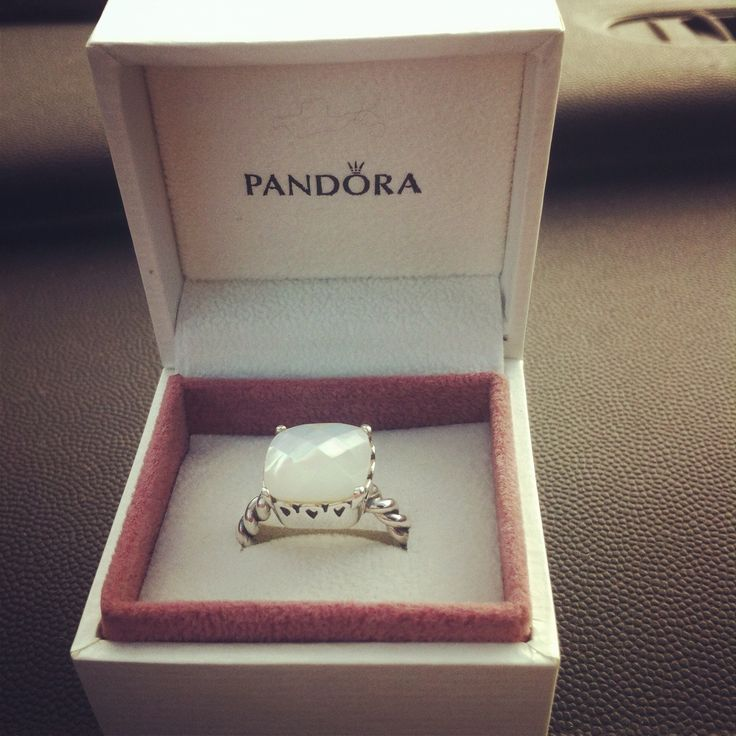 Pandora ring. Obsessed! Size 8