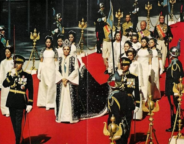 22 best empress farah of iran images on pinterest royal for Shah bano farah pahlavi