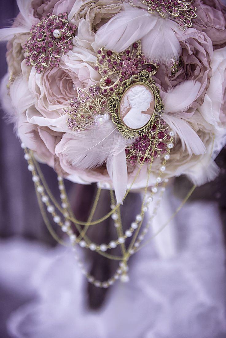 Букет, букет невесты оформление цветами свадебного платья