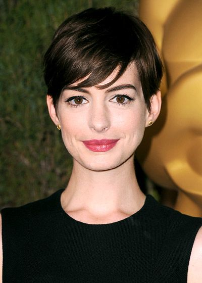 Best Celebrity Haircuts: From Short to Long: Anne Hathaway