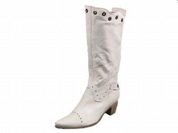 Stivali bianchi stile Ucraina mon amour...