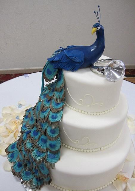 peacock wedding cake - minus the stupid giant ring