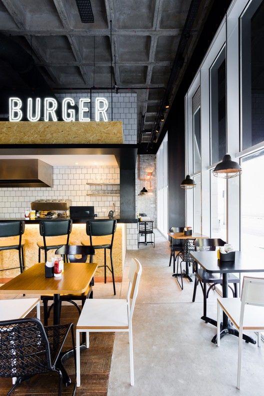 Pin Veredas Arquitetura --- www.veredas.arq.br --- Inspiração:  Real Burger,© Ricardo Bassetti