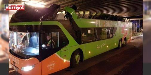 Otobüs şoförü hesap hatası yapınca...: Almanya'nın başkenti Berlin'de, şehirler arası otobüs firması Flixbus'a ait iki katlı yolcu otobüsü, altından geçmek istediği köprüye çarptı. Kaza sonucunda otobüsün ikinci katı paramparça olurken, otobüs içerisinde yolcu bulunmaması olası faciayı önledi.