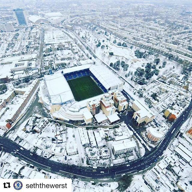 Beautiful View In Winter of SB Insta partner : @cfcfansforever @chelsea_fans_p4ge @cfcfans4ever @fans_of_chelsea.fc @the.blue.army @chelseaempire #CFC#ChelseaFC#Blues#KTBFFH#1905#Carefree#StamfordBridge#Courtois#Begovic#Cahill#Terry#JT26#Azpilicueta#chelsea#Zouma#Drogba#KING#Matic#Ramires#followforfollow#Fabregas#Hazard#Willian#Oscar#Costa#Falcao#Pedro#Conte#Romanabramovich#COYBV