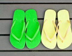 Schuhe selber machen - so geht's für Flip-Flops