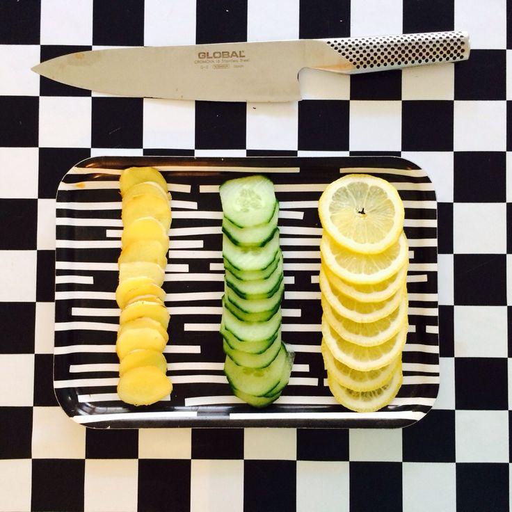 Detoxvatten - Happy days Gurka, ingefära, citron och citronmeliss. Recept på www.detoxvatten.se