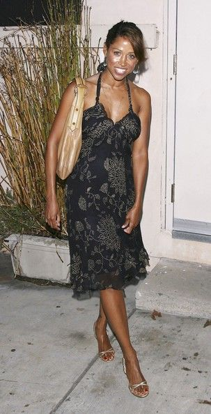 """Stacey Dash Photos - Actress Stacey Dash arrives at the premiere of 'King Lear' at the Electrtic Lodge on July 28, 2006 in Venice, California. - Tier 4 Compnay's Premiere Of """"King Lear"""""""