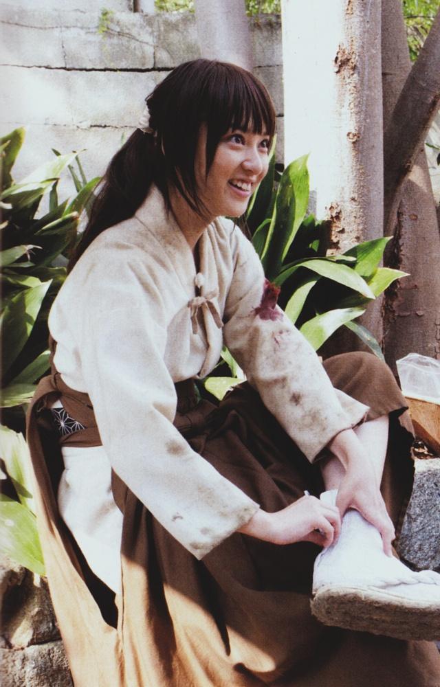 Emi Takei as Kaoru Kamiya. Rurouni Kenshin live action, behind the scene.