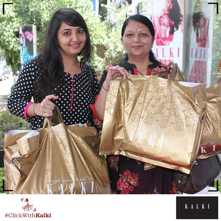 #ClickWithKalki #customers #happy #golden #sale #shopping #bordered #ethnic #Mumbai #mostawaited