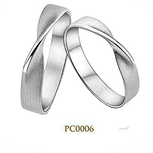 Classical wedding ring PC0006 This classic wedding ring design has a simple yet stylish with the presence of arch crease on the front side. For you and your partner both have a pleasant personality, make a ring with WRPC0006 code is the most appropriate choice. The wedding ring is a symbol of privilege is also your relationship and your partner. for more information please just DM on 082259816808 or just click this link…