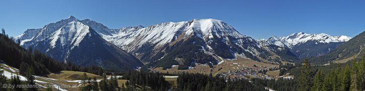 Der Frühling hält Einzug in den Bergen von Bergen in der Tiroler Zugspitz Arena.
