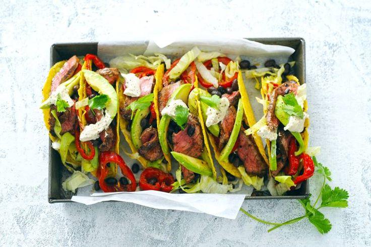 Kijk wat een lekker recept ik heb gevonden op Allerhande! Taco's met pittige biefreepjes en bonen