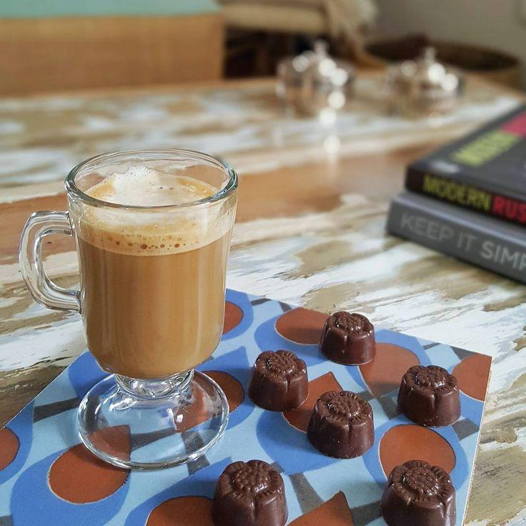 """50 Me gusta, 3 comentarios - Vero Palazzo (@veropalazzo) en Instagram: """"Algo mejor que un café y 🍫 para una tarde de Otoño gris, fría y lluviosa?! Hay algo un poquito…"""""""
