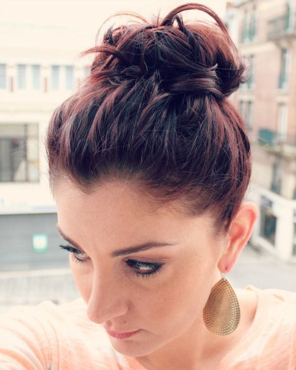 messy top knot in short hair