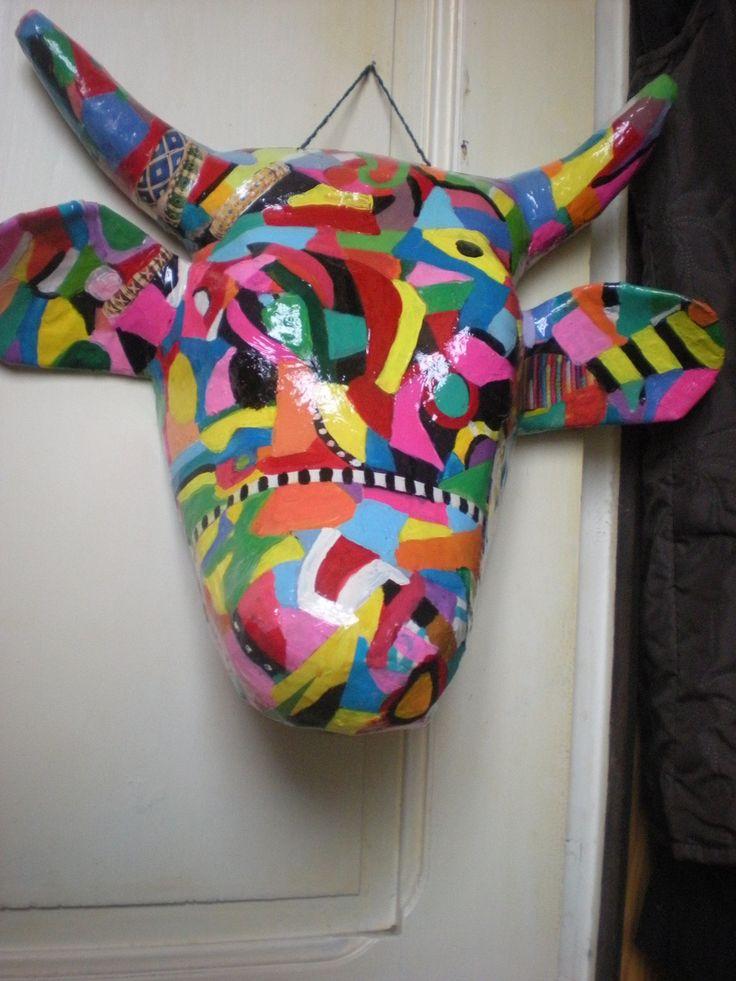 Les 25 meilleures id es concernant t te de vache sur for Decoration murale tete de taureau