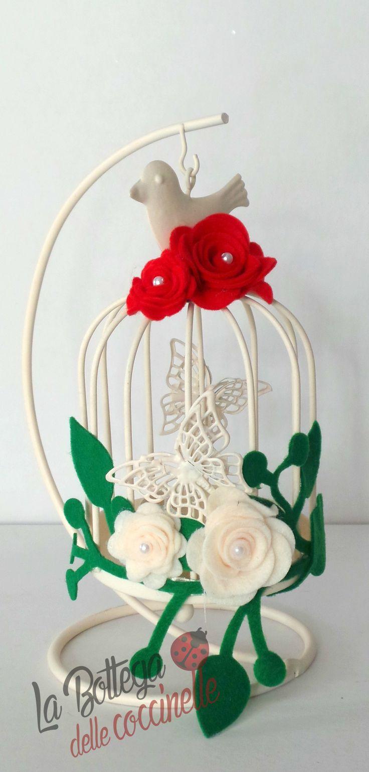 lanterna porta candela in metallo con decorazioni fatte a mano