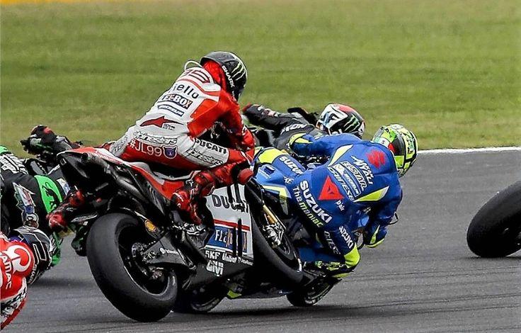 Vídeo: A imprudência de Jorge Lorenzo vista pelas câmaras onboardhttp://www.motorcyclesports.pt/video-a-imprudencia-de-jorge-lorenzo-vista-pelas-camaras-onboard/