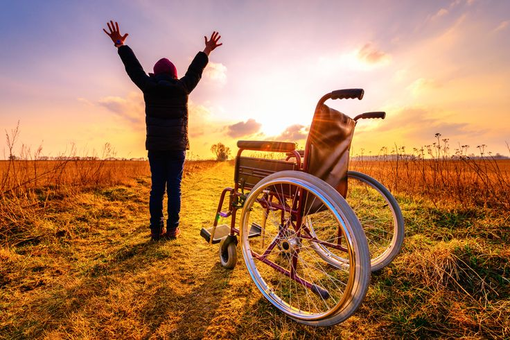 Multiple sclerose (MS) wordt beter behandeld met medicinale cannabis dan met reguliere medicijnen. Maar hoe komt het eigenlijk dat het plantaardige middel zo goed werkt tegen deze ziekte?
