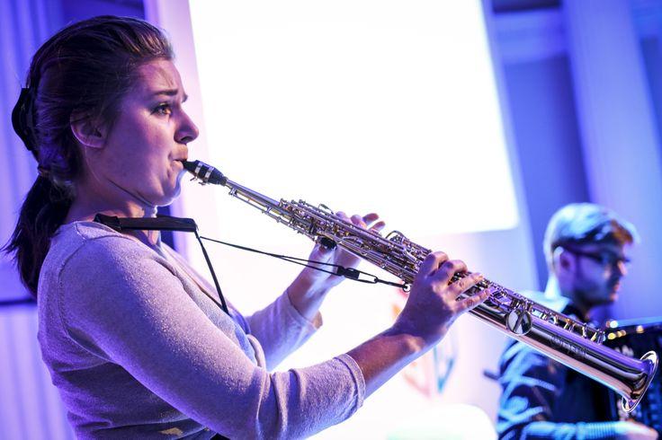 Alicja Wołyńczyk gra na saksofonie sopranowym, altowym. Jest laureatką i zdobywczynią nagrody specjalnej na Międzynarodowym Konkursie Akordeonowym w Klingenthal (Niemcy) w kategorii duetów.