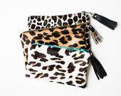 Pochette en cuir léopard des neiges, grande fermeture éclair porte-monnaie, veau cheveux Wallet, cosmétiques léopard sac, sac à cosmétiques en cuir, Mini embrayage, Pochette