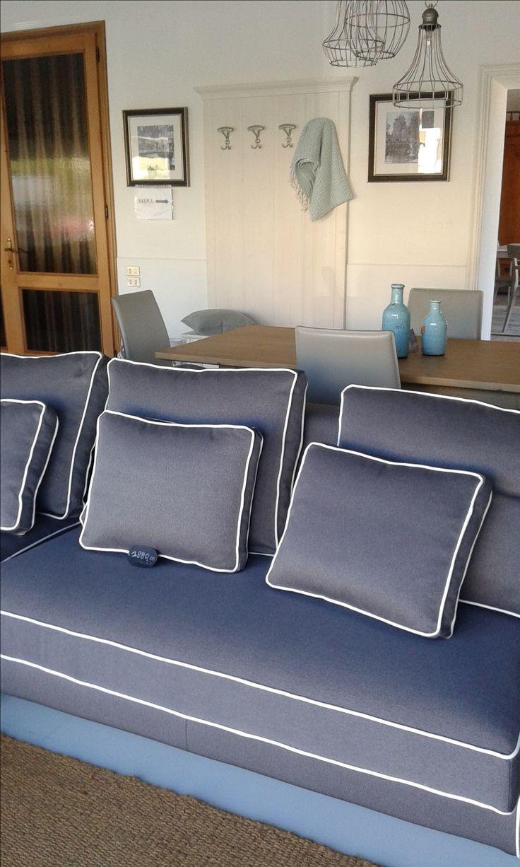 sofa design pillows livingroom